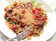 Casserole de côtelettes de porc et de riz