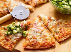 Pizza aux pommes et au fromage Suisse
