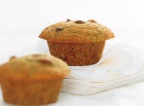 Muffins aux épices, à la sauce aux pommes et au son de blé