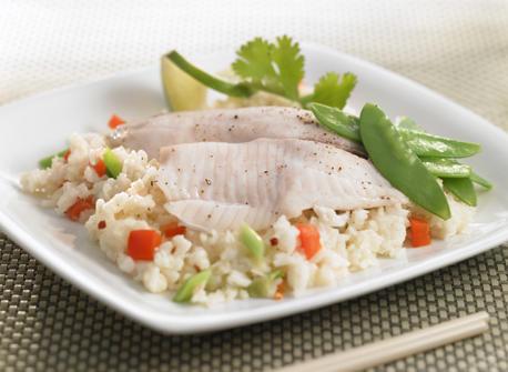 Poisson-vapeur à l'asiatique et riz à la noix de coco Recette