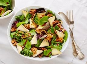 Salade au fromage Bleu et aux framboises