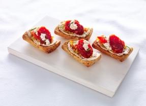 Tapas de Boursin®, poivron rôti et chorizo