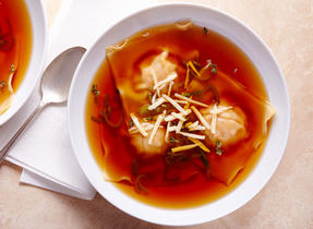 Soupe de raviolis à la courge et au fromage Suisse