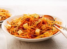 Salade de carottes aux Gouda et aux canneberges