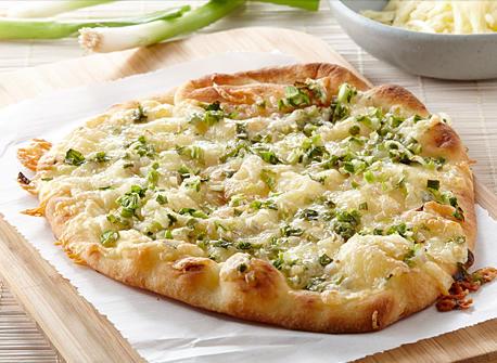 Pizza au fromage et à l\u0027oignon vert Recette