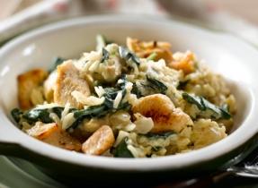 Poulet et riz aux épinards en casserole