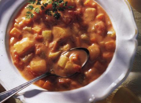 Soupe consistante aux tomates et pommes de terre Recette