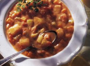 Soupe consistante aux tomates et pommes de terre