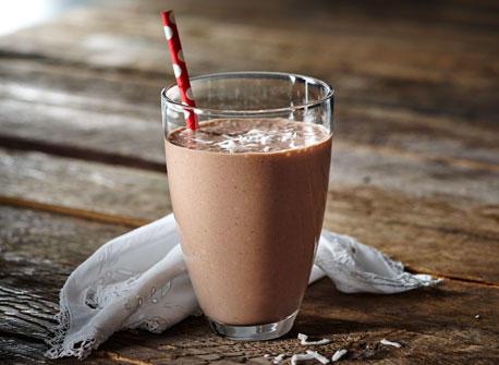 Lait frappé au cacao, à la noix de coco et à la banane Recette