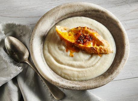 Crème de céleri-rave au Cheddar et à l'oignon Recette