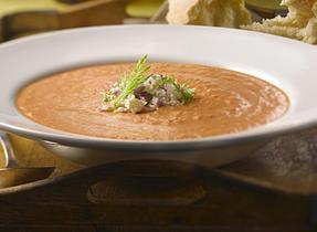 Soupe crémeuse aux tomates et fenouil rôtis avec fromage Feta