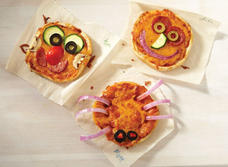 Pizzas miniatures de l'Halloween au double Cheddar