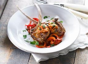 Côtelettes d'agneau au pesto de tomates séchées et Bocconcini