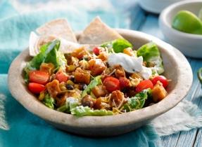 Salade mexicaine de courge et de légumineuses