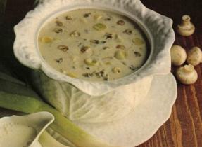 Soupe aux champignons et aux poireaux