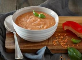 Soupe aux lentilles et aux poivrons rouges rôtis