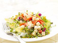 Saumon fumé et Édam canadien en salade recipe