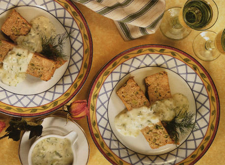 Pain de saumon avec sauce au concombre et à l'aneth Recette