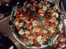 Salade de tortellinis et de saumon fumé à l'aneth recipe