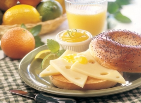 Bagels aux graines de pavot, citron et fromage Suisse