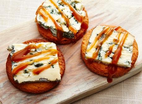 Biscuits caramélisés au fromage bleu Recette