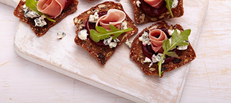 Canap s au fromage bleu recette plaisirs laitiers for Canape au fromage