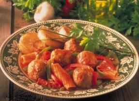 Casserole italienne aux petites boulettes et aux poivrons