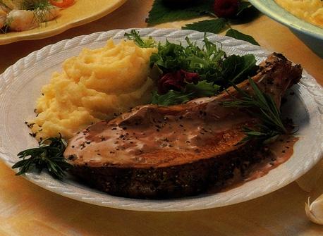 C te de b uf avec sauce au vin rouge et au romarin recette plaisirs laitiers - Cuisiner un roti de boeuf au four ...