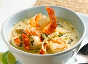 Crevettes au curry vert et au basilic
