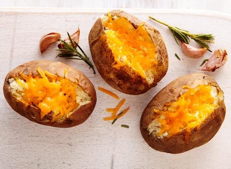 Papillotes de pommes de terre à l'ail et au Cheddar Recette