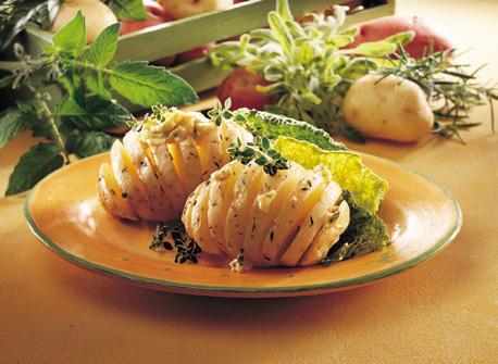 Pommes de terre nouvelles au beurre et aux fines herbes Recette