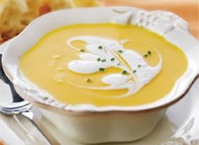 Potage à la courge musquée, aux carottes et au gingembre