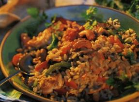 Riz au poulet et aux légumes
