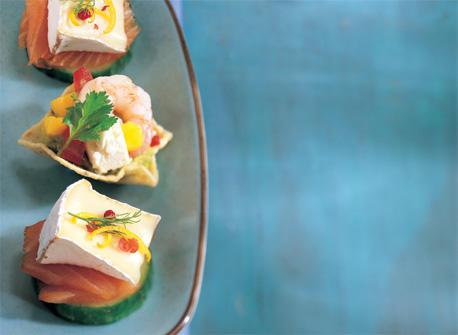 Rondelles de concombre onctueuses au saumon fum recette for Hors d oeuvre avec saumon fume