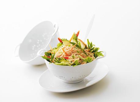 salade asiatique aux nouilles et aux l gumes recette plaisirs laitiers. Black Bedroom Furniture Sets. Home Design Ideas