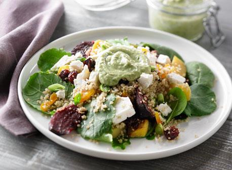 Salade au Quinoa, aux betteraves rôties et aux fruits séchés Recette
