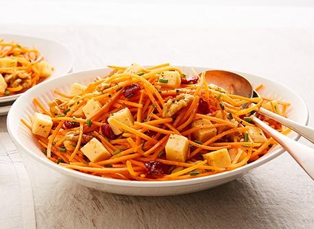 Salade de carottes aux Gouda et aux canneberges Recette