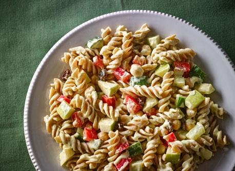 salade de p 226 tes et de pois chiches au cari recette plaisirs laitiers