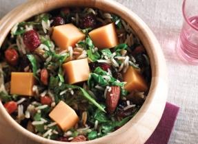 Salade de riz aux épinards et au Cheddar