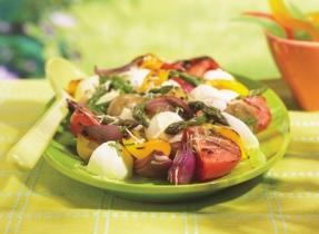 Salade tiède de Bocconcini et de légumes du jardin