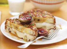 Sandwich pain doré au fromage fondant
