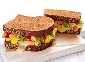 Sandwichs à la salade de crabe et à la Mozzarella