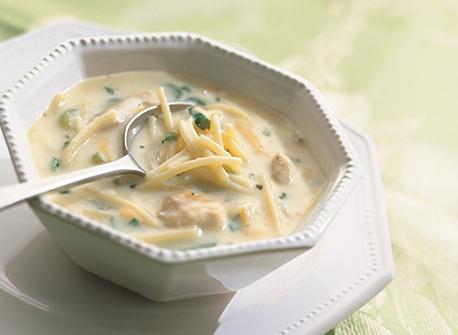 Soupe facile et rapide au poulet et nouilles  Recette