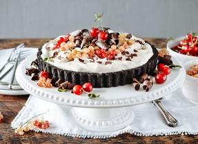 Tarte au pouding au chocolat bien garnie